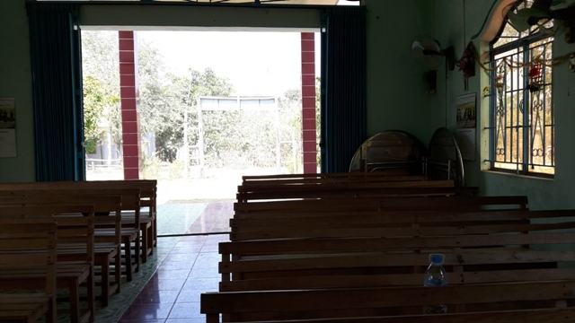TH2_Church-inside4-building-cracked6